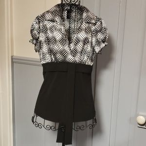 👚MAURICES DEEP V BLOUSE👚